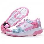 zapatillas con ruedas cuadritos rosas