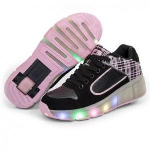 zapatillas y ruedas negras luces con UwUaR